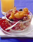 Grilled muesli with fruit