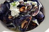 Mussels with capers in crème fraîche