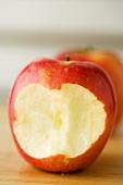 Ein angebissener Apfel