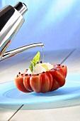 Pomodoro caprese (Oil, tomato 'Coeur de Boeuf', mozzarella)