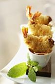 Shrimps with noodle crust