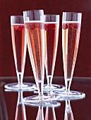 Himbeer-Sekt-Cocktail