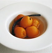 Poached apricots with vanilla