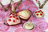 Small cakes & muffins for Valentine's Day or Mother's Day