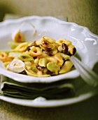 Penne alla Leonardo (Penne with beans and garlic, Italy)