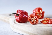Lampion chillis, whole and sliced