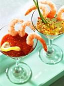 Zwei Shrimpscocktails