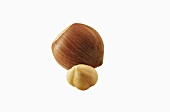 Unshelled and shelled hazelnuts