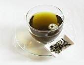 Mulberry Tea (Maulbeertee) in Glastasse