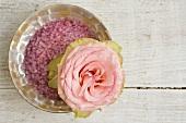 Rose und Schüssel Badesalz