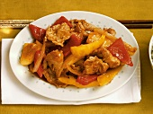Schweinefleisch süss-sauer mit Ananas und Paprika