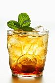 Iced tea with fresh mint