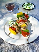 Tuna and pepper kebabs with herb yoghurt