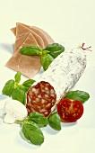 Salami, boiled ham, basil, tomato, mushroom