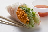 Vietnamese rice paper roll with vegetables and dip