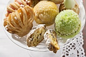 Assorted small pastries (with jam, nuts & pistachios)