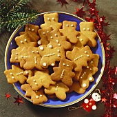 Braune Kuchen (biscuits) in the shape of bears