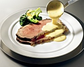 Roast beef with Béarnaise sauce