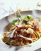 Spaghetti with tomatoes, bacon and Parmesan