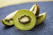 Kiwi fruit, cut into pieces