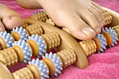 Foot massage with massage roller
