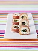 Ham-wrapped fresh goat's cheese with fig, Sushi style