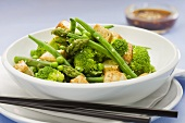 Vegetable salad with grilled tofu