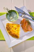 Rosti triangle with smoked salmon and dip