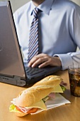 Ein Schinken-Käse-Sandwich fürs Büro