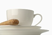 Coffee cup with sponge finger