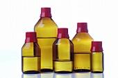 Apothekerflaschen mit Flüssigkeiten