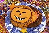 Cookies with amusing pumpkin faces