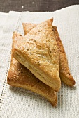 Triangular savoury puff pastry pasties