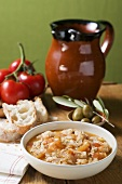 Bread soup with tomatoes