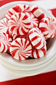 Starlite Mints (peppermints, USA) in white bowl
