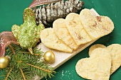 Pastry hearts with flaked almonds