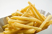 Chips in paper dish