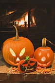 Two pumpkin lanterns, place card & candy corn for Halloween