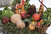 Gingerbread, fruit, vegetables and mistletoe