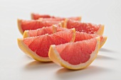 Rosa Grapefruitschnitze