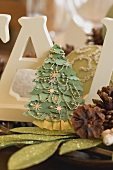 Christmas table decorations (Christmas tree, cones)