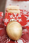 Christmas bauble and biscuits (Christmas gifts)