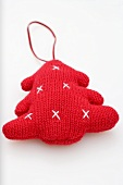 Red knitted Christmas tree (tree ornament)