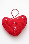 Red knitted heart (tree ornament)