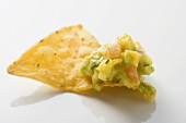 Nacho mit Guacamole (Close Up)