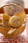 Dim sum (deep-fried) in basket