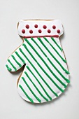 Iced Christmas biscuit (mitten)
