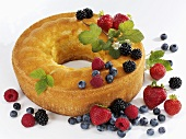 Ring cake with fresh berries