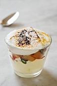 Schokoladencreme mit Apfelkompott und Eischnee gratiniert