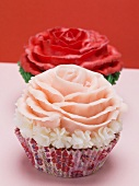 Cupcakes with red and pink roses